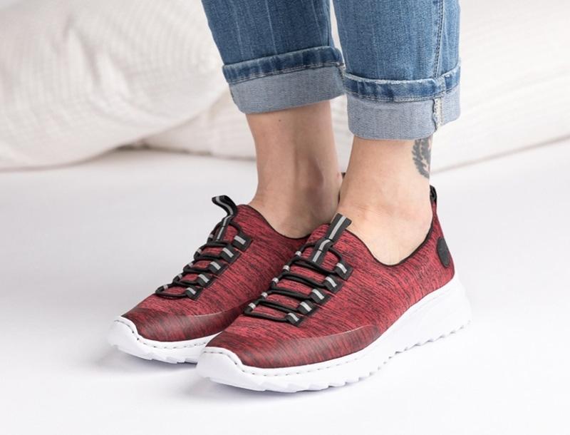 Naisten vapaa-ajan kengät