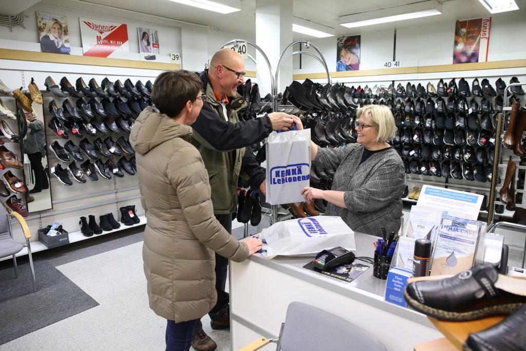 Palveleva yksityinen kenkäkauppa